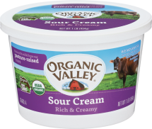 Organic 4% Sour Cream product image.